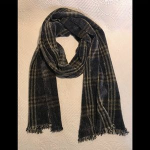Frittelli & Lockwood chenille plaid fringed scarf